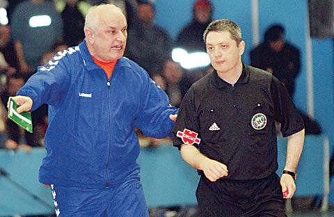Şeful arbitrilor de la handbal, demis de Consiliul de Administraţie al FRH. Demisia îi fusese refuzată acum o lună