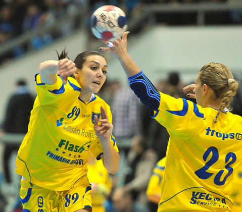 Corona, victorie în primul amical al verii. Cisnădie a condus la 5 goluri diferenţă la pauză în jocul de la Braşov. HC Zalău - Baia Mare, meci de pregătire cu uşile închise. Rezultate înregistrate în partidele de verificare