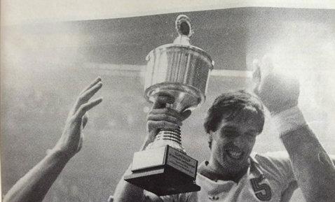 """Cum negocia """"Piţi"""" cu Ilie Ceauşescu primele de joc: diferenţa de la """"bre, nu ştii să sari la cap"""" la """"bre, ai dat-o la vinclu!"""" Cei patru handbalişti de nota 10 din istoria handbalului şi echipa magnificilor în opinia unui medaliat la Jocurile Olimpice de la Los Angeles"""