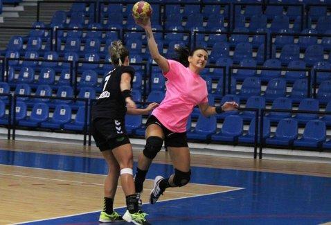 """CSM Ploieşti a legitimat o campioană mondială la junioare înaintea partidei de sâmbătă cu HC Zalău. Două meciuri """"fierbinţi"""" în etapa a 3-a a Ligii Naţionale de handbal feminin"""