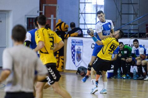 Etapă nebună la handbal! Primele 3 clasate au fost învinse în deplasare. Bozo Rudic revine în Liga Naţională, ca antrenor la Energia Tg. Jiu. CSM Focşani, primul succes din istoria clubului în prima ligă