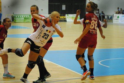 SCM Craiova şi HCM Roman s-au calificat în optimile Cupelor Europene