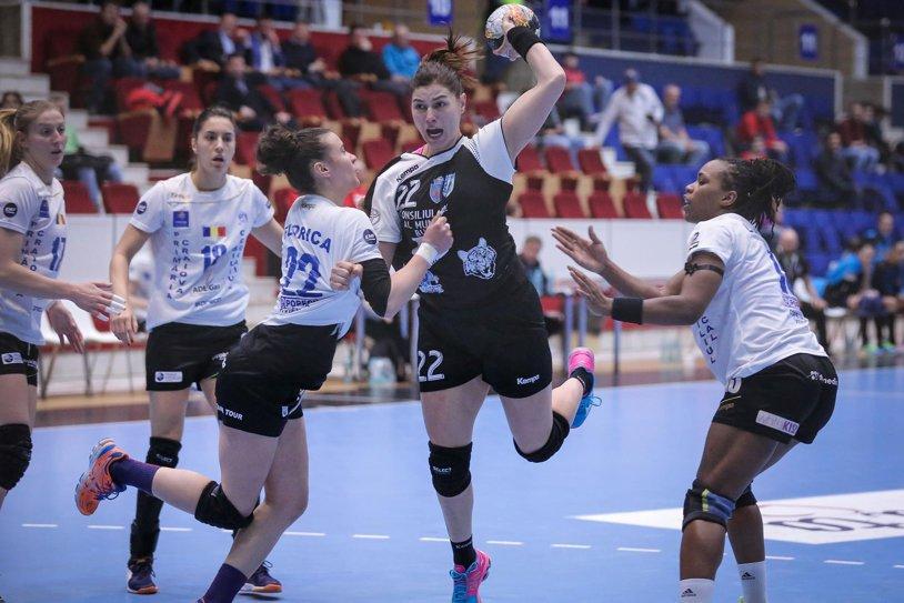 CSM Bucureşti, a 22-a victorie în Liga Naţională. Campioanele s-au desprins în ultimele 10 minute de SCM Craiova