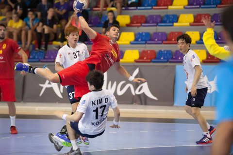 Punctul zero pentru handbalulul masculin! Naţionala universitară s-a calificat dramatic în semifinalele Campionatului Mondial, după o pauză de 24 de ani