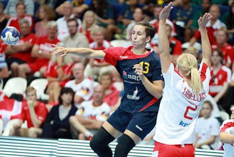 Prima certitudine pentru naţionala mare: Cristina Laslo. Liderul echipei care a câştigat bronzul la Mondialul de tineret a fost desemnat şi cel mai bun centru al turneului final