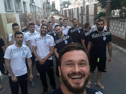 Tragerea la sorţi a cupelor europene: CSM Bucureşti va da probabil peste nişte francezi în tentativa de a ajunge în grupele Cupei EHF. Corona Braşov se reîntoarce în Germania