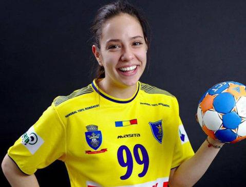 Corona a trecut cu brio de primul test important al sezonului. Sorina Tîrcă începe să confirme în Liga Naţională! Pe mâna jucătoarei de 17 ani, Braşovul a refăcut un handicap de 3 goluri la Vâlcea