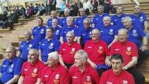 """Valoare şi emoţii pe metru pătrat! Campionii Stelei care au """"doborât munţii"""" au îmbrăcat din nou tricourile roşu şi albastru, la fix 40 de ani de la câştigarea ultimului trofeu în Cupa Campionilor Europeni la handbal masculin"""