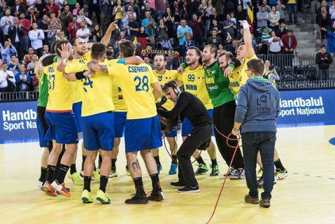 Polonia a schimbat calculele în grupa României, înaintea meciului cu Belarus! Serbia poate rămâne în afara Campionatului European, chiar şi cu două victorii în faţa României. Meciul anului în handbalul masculin se joacă la Craiova, de la ora 19:00
