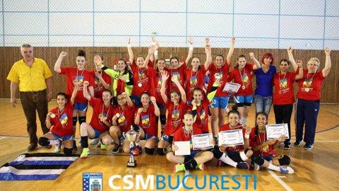 CSM Bucureşti, gruparea numărul 1 în sectorul juvenil: 5 titluri din 8 posibile. Clubul din capitală a cucerit 80% din titlurile puse în joc în handbalul feminin. Localitatea surpriză cu medalie în 2017 are sub 1.000 de locuitori