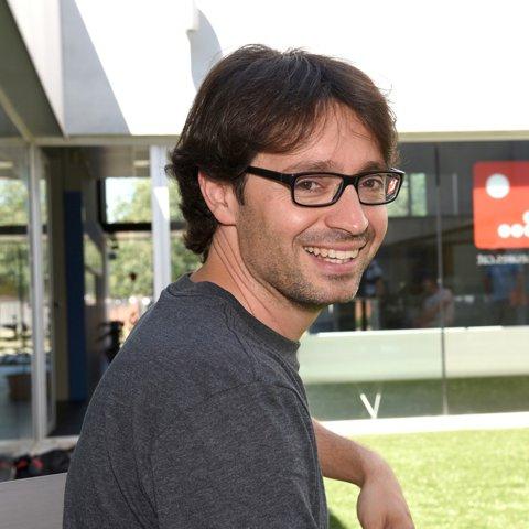 CSM Bucureşti s-a despărţit de Zvonko Sundovski şi a adus echipă tehnică din Spania. Noul staff va avea ca obiectiv câştigarea în premieră a titlului cu echipa masculină