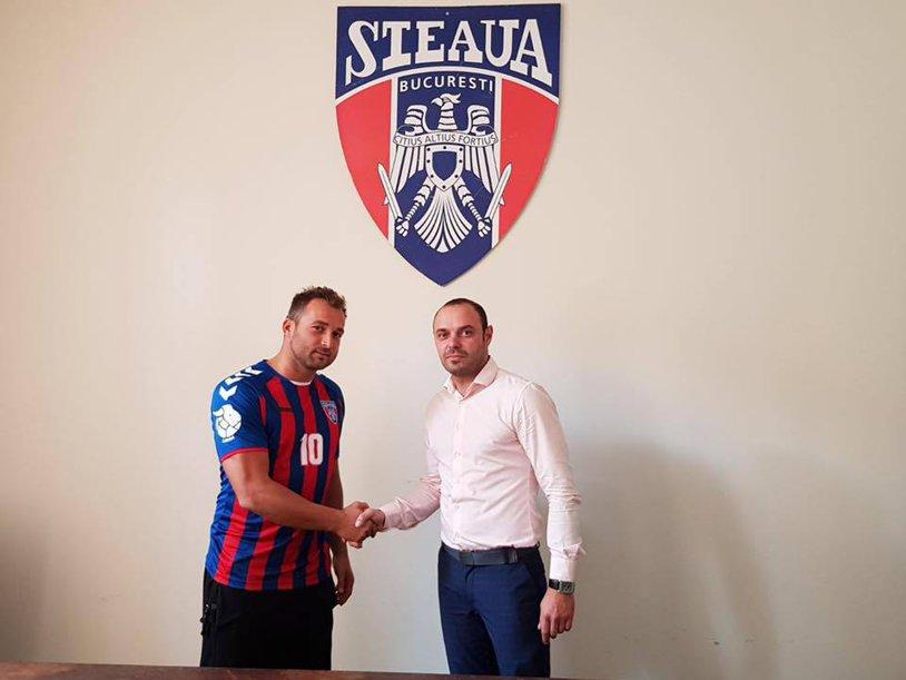 """Transfer surpriză realizat de Steaua la handbal! """"De azi voi evolua cu acelaşi număr cu care Hagi a făcut istorie în fotbalul românesc"""""""