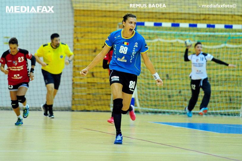 SCM Craiova începe să arate a echipă de prim-plan, Vâlcea a ratat startul Ligii Naţionale de handbal feminin. Derby-ul Olteniei a fost dominat cap-coadă de Zamfir & Co