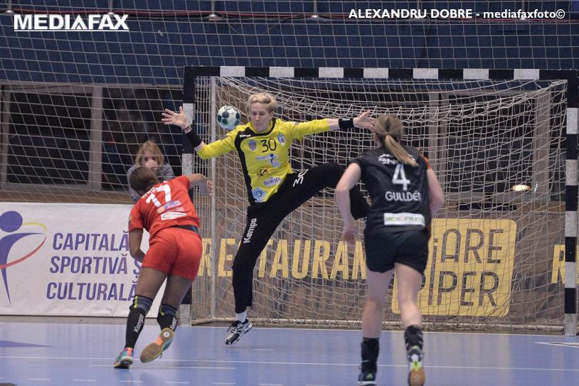 65 de goluri în meciul de deschidere al noului sezon al Ligii Campionilor la handbal feminin. Meciul de debut al CSM Bucureşti cu Krim, programat sâmbătă, de la ora 20:00, pare mai degrabă unul de încălzire pentru ce îşi propune clubul în acest sezon