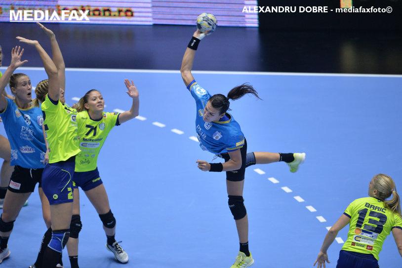 Au forţat cât a fost nevoie! CSM Bucureşti a obţinut a doua victorie la peste 10 goluri diferenţă în Liga Campionilor, într-un meci cu Vistal Gdynia în care Cristina Neagu a dat recital