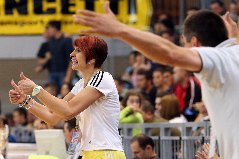 Mariana Tîrcă a decis să înfiinţeze o şcoală de handbal, fiind inspirată şi de succesul lui Hagi! Unul dintre oamenii care au stârnit rivalitatea Oltchim - Rulmentul s-a oferit să sprijine proiectul