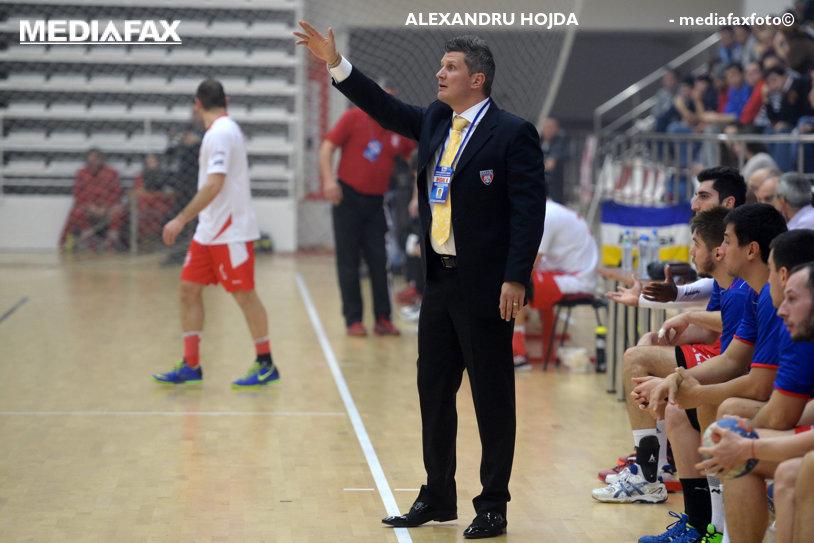 """Viorel Mazilu: """"Mâine, orice club poate să dea afară orice antrenor, orice jucător, iar Federaţia nu are nimic de spus?"""". Antrenorul spune că Steaua nu i-a plătit nici azi restanţele. Reacţii ample ale preşedintelui Stelei, Cristian Petrea"""