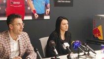 """Cristina Neagu: """"Cred că mă simt în cea mai bună formă a carierei"""". Căpitanul naţionalei şi-a prezentat intenţiile de viitor şi a devenit imaginea unui sponsor în România cu mare greutate în afara ţării pe plan sportiv"""