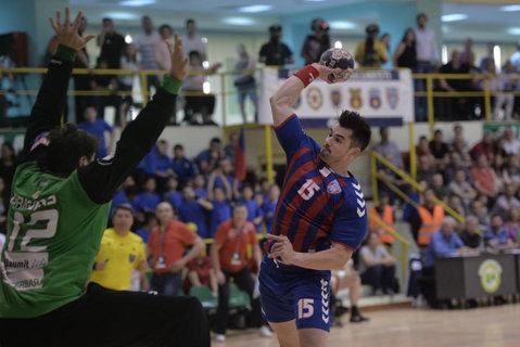 Steaua anunţă un meci pe viaţă şi pe moarte cu Dinamo! Temerile clubului din Ghencea şi posibilităţile de a se întări în cazul în care va lua titlul şi va juca în Liga Campionilor
