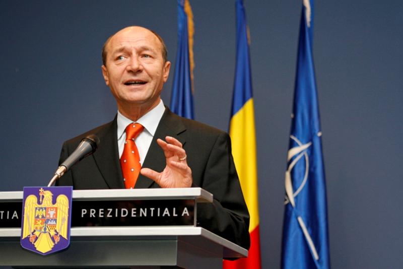 Preşedintele Traian Băsescu a trimis o coroană de flori pentru Marian Cozma