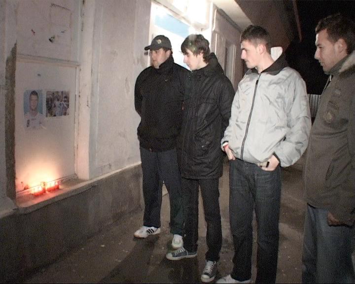 Lacrimi şi lumânări şi la Piatra Neamţ pentru Marian Cozma