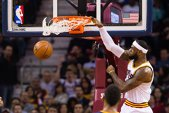 VIDEO | Cum poţi opri un astfel de slam-dunk? LeBron James, aproape de faza anului în NBA. Cleveland a urcat pe 5 în Est