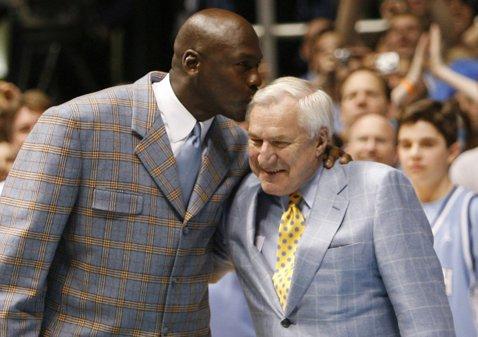 Mentorul lui Michael Jordan, gest extraordinar: le-a lăsat tuturor jucătorilor pe care i-a pregătit, prin testament, o sumă de bani