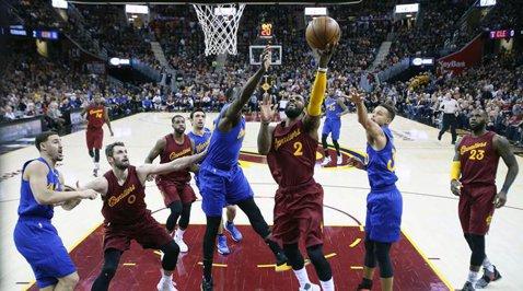 Tensiune, dramatism, controversă! Cleveland Cavaliers - Golden State Warriors 109-108, în reeditarea finalei NBA de anul trecut