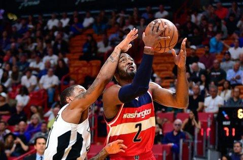 Washington Wizards s-a impus în derby-ul Conferinţei de Est cu Cleveland Cavaliers
