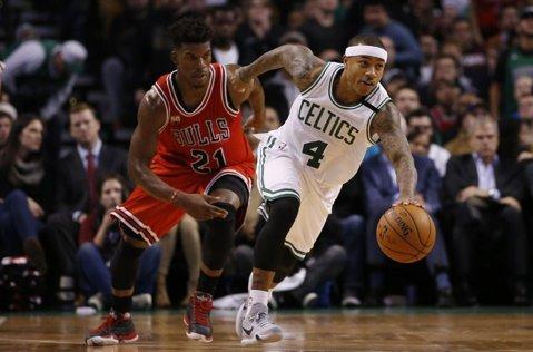 Chicago Bulls, întoarsă de Boston Celtics de la 2-0! Trei echipe s-au calificat deja în semifinalele celor două Conferinţe în NBA