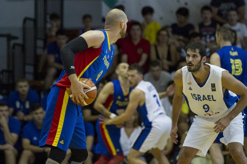Repetiţie pentru Eurobasket. România a încheiat la diferenţă de două posesii un meci-test echilibrat cu Israelul lui Casspi, extrema pe care campioana din NBA o va plăti cu trei milioane de dolari în următorul sezon | GALERIE FOTO