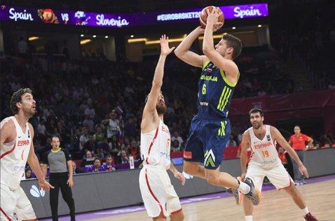 La un pas de istorie! Slovenia a eliminat campioana en-titre Spania şi a e la un meci de medalia de aur la Eurobasket