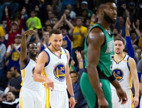 Steph Curry a fost de neoprit în Golden State Warriors - Brooklyn Nets. Rezultatele de luni din NBA