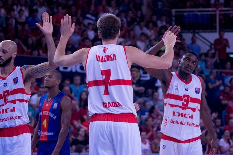 CSM Oradea a început în forţă finala cu Steaua în Liga Naţională de baschet masculin. Meciul doi se desfăşoară miercuri