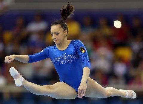 Larisa Iordache salvează România la Mondialele de gimnastică, reuşind să se califice în trei finale, la individual compus, bârnă şi sol. Echipa a terminat pe locul 7 în calificări, mult sub aşteptări