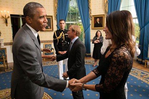 """UPDATE De ce a postat Nadia luni o poză cu Obama realizată în luna iulie. Explicaţia """"Zeiţei de la Montreal"""""""