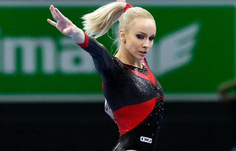 OFICIAL | Sandra Izbaşa a început antrenamentele. Gimnasta se întoarce cu gândul de a ajuta echipa la Rio 2016