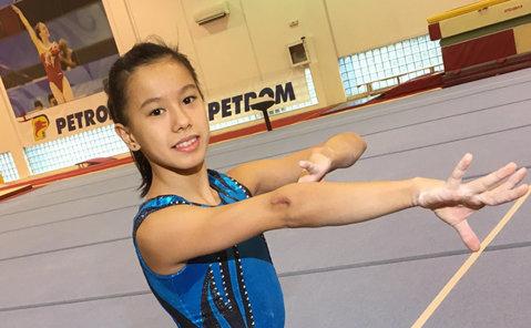 DEZVĂLUIRE | Mama gimnastei Asiana Peng susţine că fiica sa ar fi fost supusă unor antrenamente brutale şi le solicită un punct de vedere public şefului FRG, dar şi antrenorilor Bellu şi Bitang