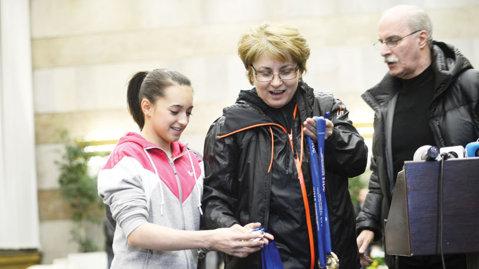 Ce salarii aveau Bellu şi Bitang la echipa feminină de gimnastică
