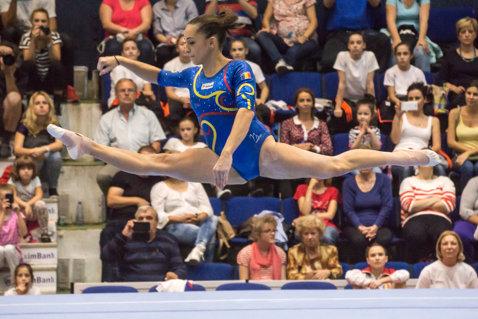 """Larisa Iordache: """"Până la Rio voi ajunge la potenţialul maxim"""". Ce spune medaliata cu bronz de la CM 2015 despre concurenţa cu Ponor"""