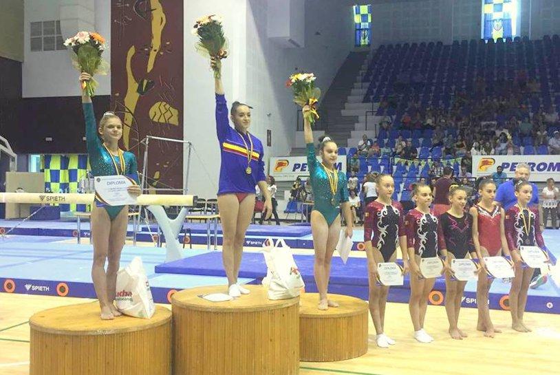 Larisa Iordache, campioană naţională la individual compus cu bârnă şi total de mondiale!