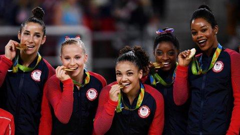Abuzurile sexuale din lotul Statelor Unite   A doua gimnastă americană medaliată cu aur la Rio rupe tăcerea şi vorbeşte despre ororile îndurate