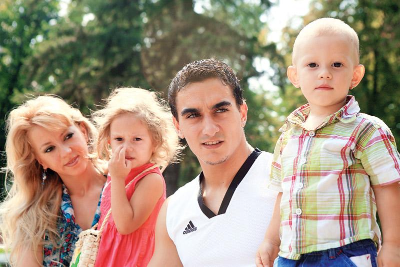 Bătaie în familia lui Marian Drăgulescu