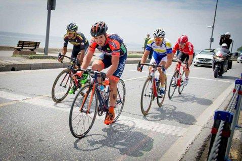 FANTASTIC! Edi Grosu a fost selecţionat de Nippo-Vini Fantini în echipa pentru Turul Italiei. Premieră istorică: avem doi români în Giro