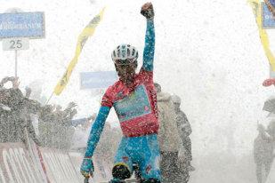 """Nibali, fără adversar în Giro? Organizatorii Turului Italiei au anunţat traseul din 2016: trei etape de contratimp individual şi 7 de munte. Cine se pune cu """"Rechinul""""?"""