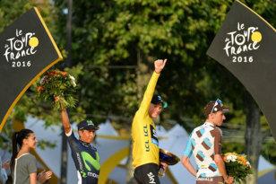 """Şi-a învins adversarii pe unde i-a prins! Chris Froome, """"rege"""" pentru a treia oară în Turul Franţei, după o ediţie 2016 pe care a dominat-o categoric"""