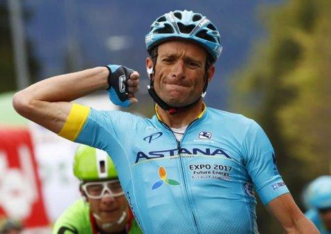 """Dramă în ciclism. Michele Scarponi, câştigător al Giro în 2011, a murit în timp ce se antrena: """"Am pierdut un campion şi un om special"""""""