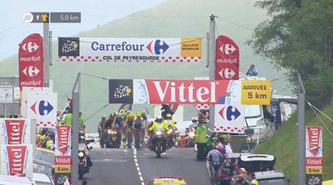 Bombă în Turul Franţei! Chris Froome a fost deposedat de tricoul galben în Pirinei de Fabio Aru