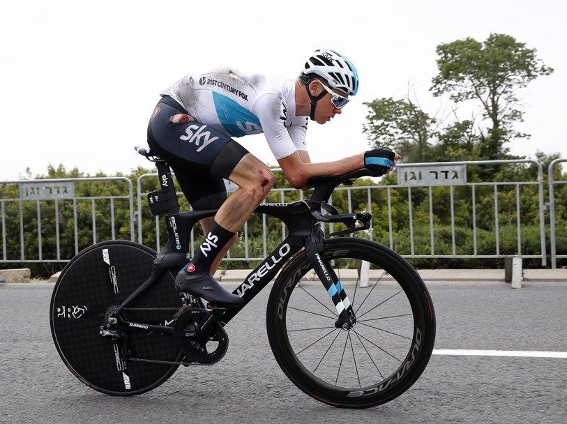 Chris Froome, start ratat în Turul Italiei, după un accident suferit chiar înaintea primei etape. Tom Dumoulin este primul lider, după un contratimp solid