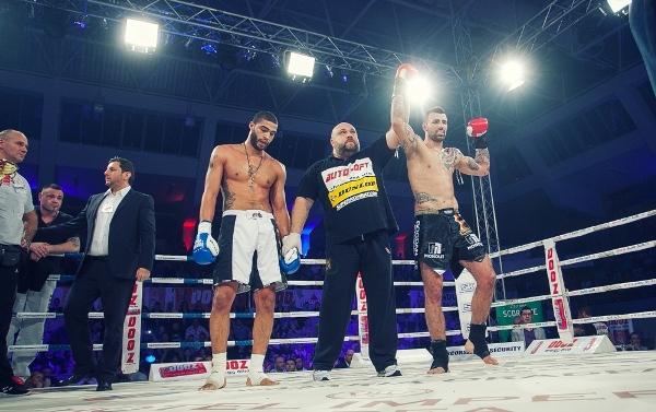 Victorii prin KO pentru Stoica şi Adegbuyi la Superkombat Oradea! Lungu, descalificat! GALERIE FOTO